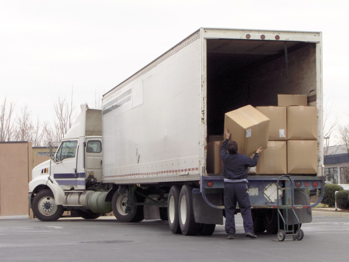 How to Safely Load and Unload Truck Cargo to Prevent Injury